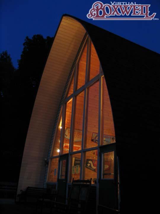 OA Lodge at night