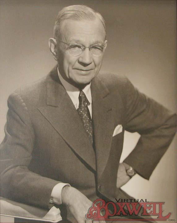 Leslie G Boxwell
